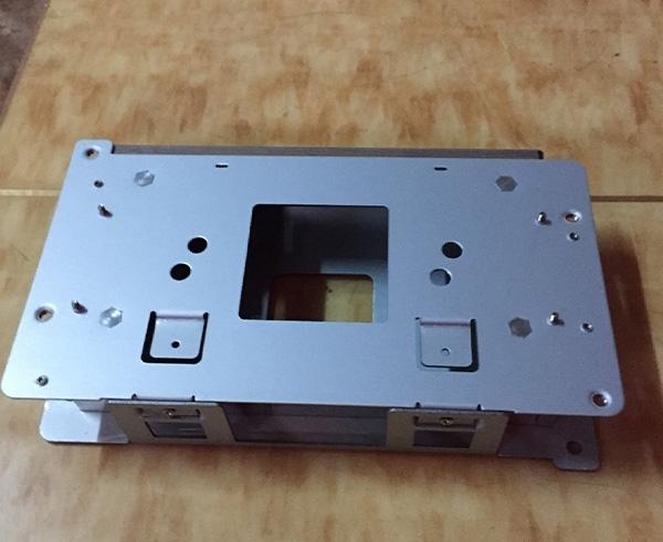 说说铝合金手板加工厂做手板时CNC加工的一些优势