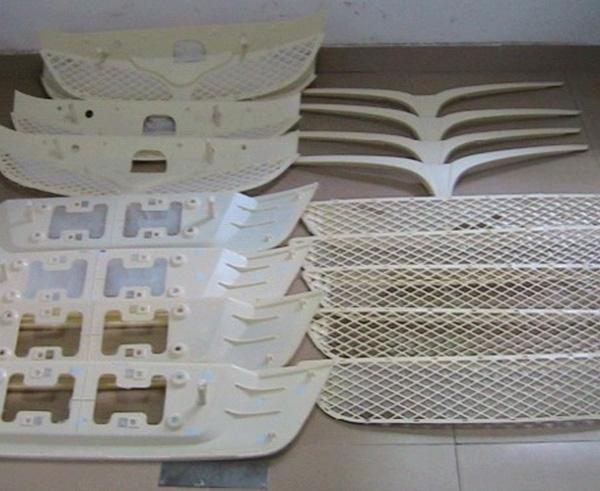 塑胶手板制作根据浇注系统型制的不同可将模具分为三类